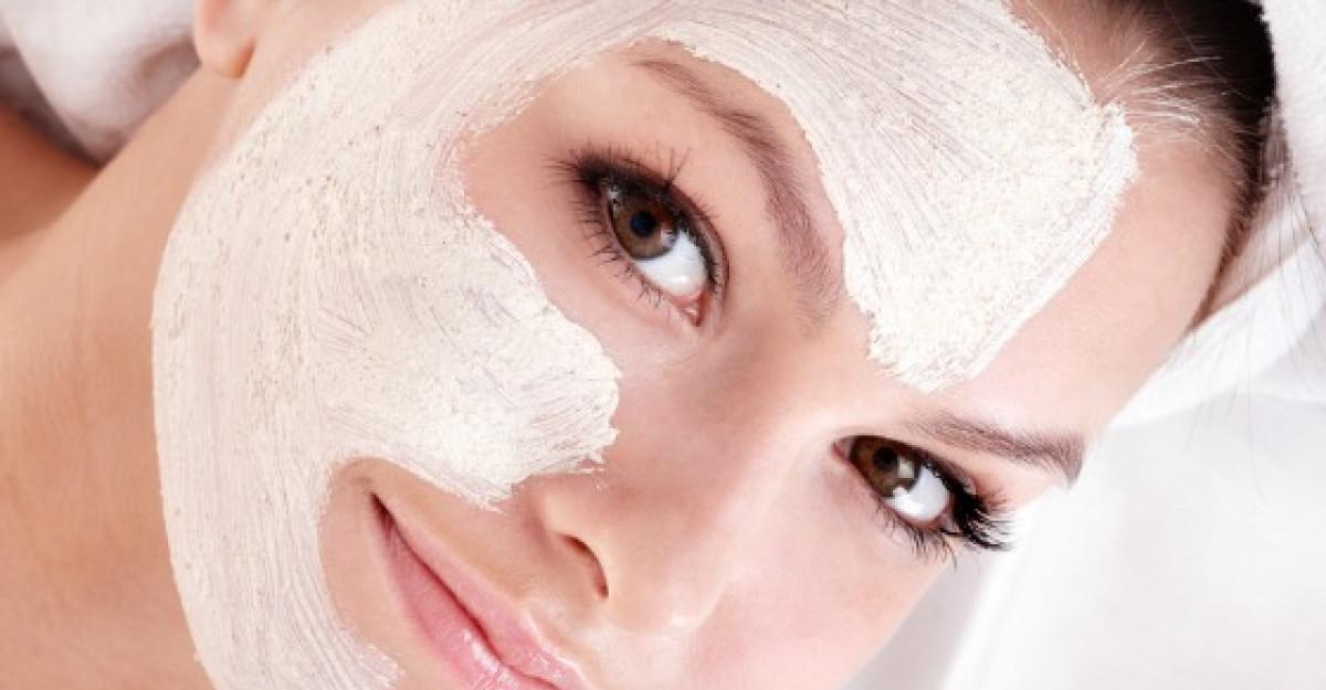 Masti pentru tenul cu probleme: cum scapam de tendinta acneica si de uscaciunea pielii cu ingrediente naturale