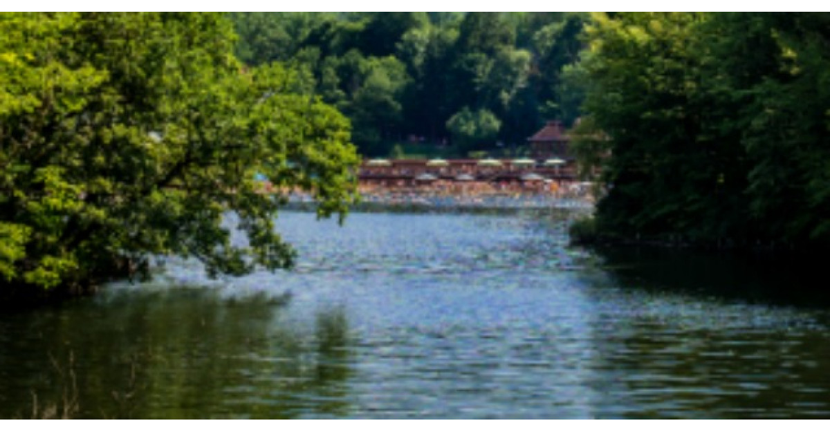 Lacul din Romania care detine TREI RECORDURI mondiale. E spectaculos!