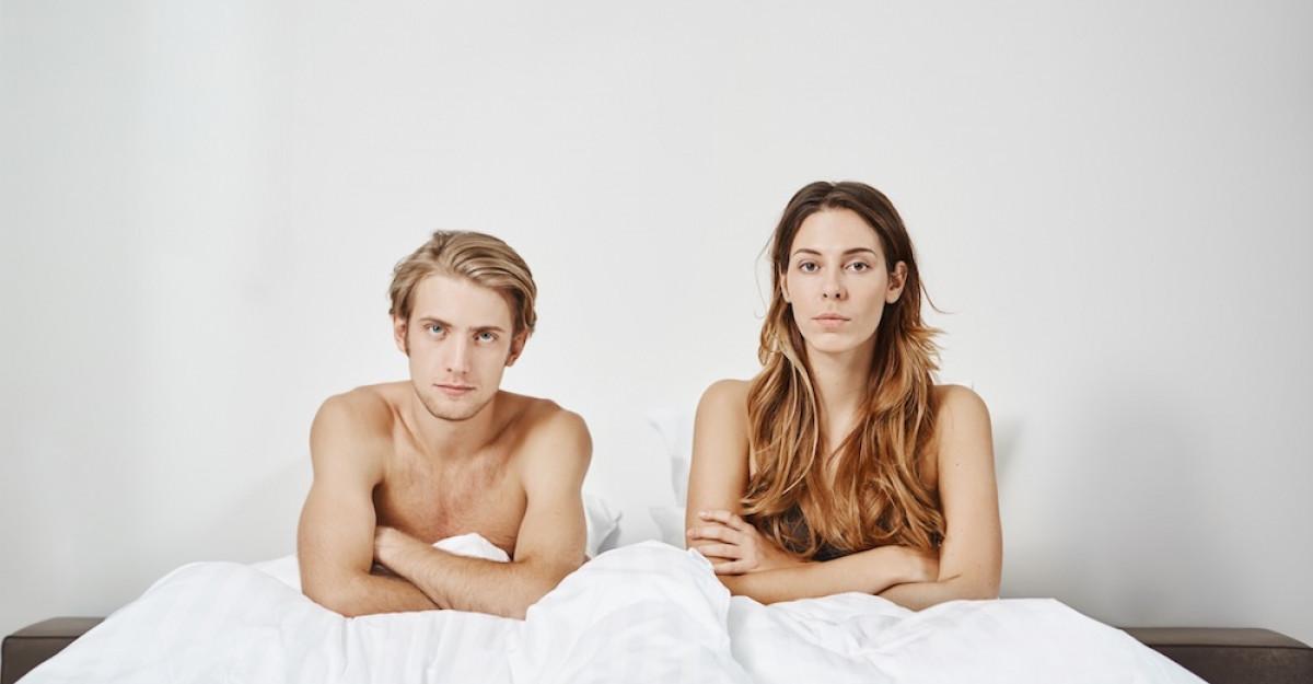 Peste jumătate dintre tinerii din România învață despre educația sexualăde pe internet