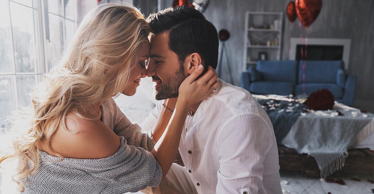Cele două tipuri de atracție care prezic viitorul cuplului: între dorință și iubire