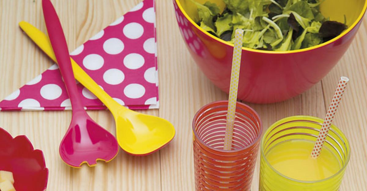 Ustensile colorate, utile in bucatarie