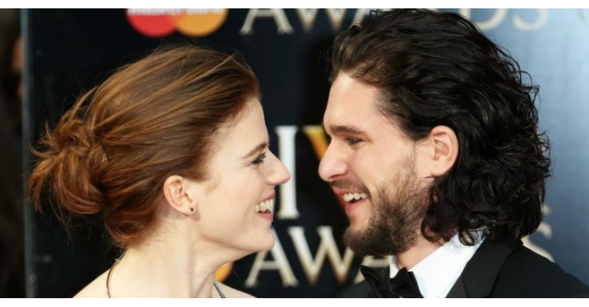 Jon Snow si Ygritte, prima aparitie in calitate de cuplu in viata reala
