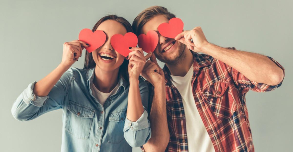 Pentru îndrăgostiții cu simțul umorului: 5 cadouri funny de Valentine's Day