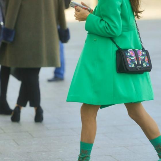 5 paltoane Desigual colorate pe care le găsești în oferta online