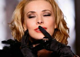 Monica Davidescu: 'Viata e frumoasa tot timpul, si cand ai greutati si cand ai numai bucurii'