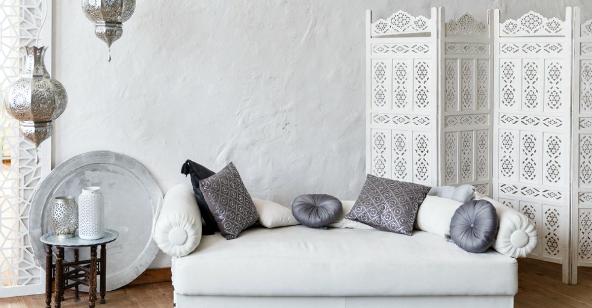Se poartă argintiul: 6 decorațiuni în nuanțe metalice