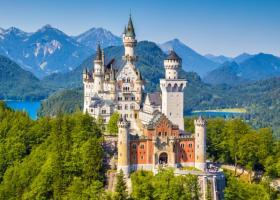 Locuri de legenda: Cele mai fascinante 16 castele din lume