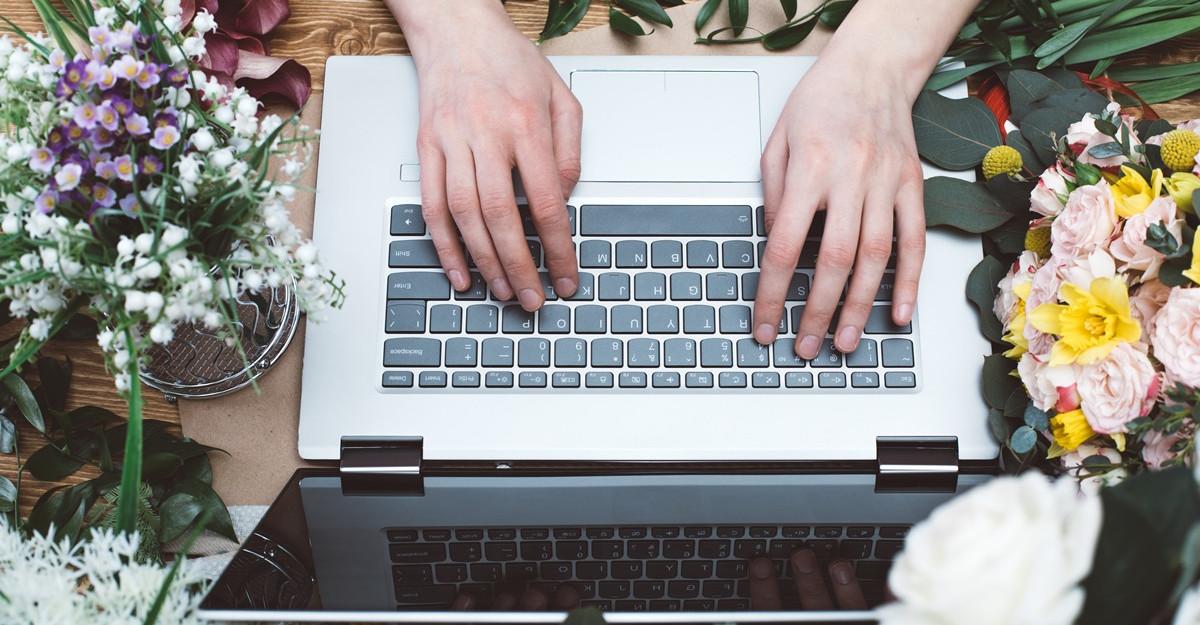 4 motive pentru care să cumperi flori online