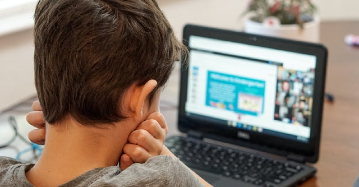 Școala virtuală – 10 sfaturi pentru părinți