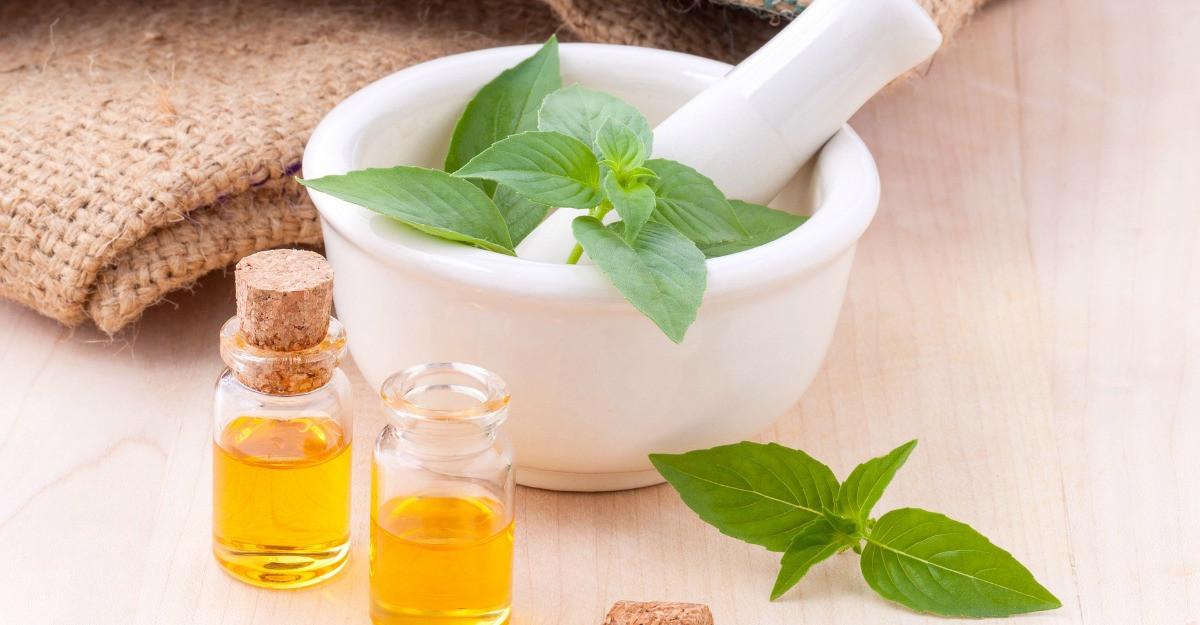 6 uleiuri vegetale pentru uz cosmetic ca sa te pregatesti de primavara