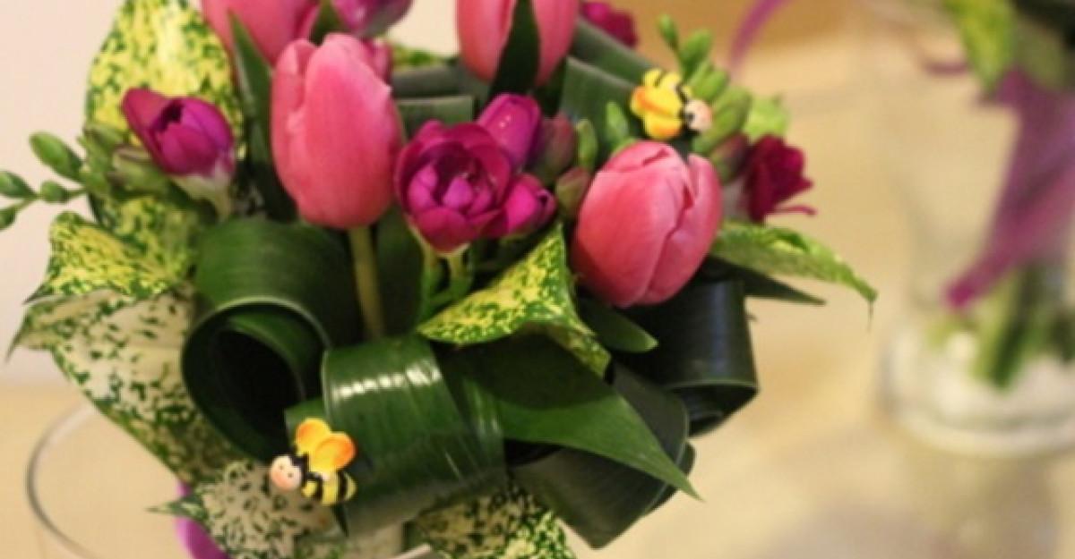 Trucuri si sfaturi pentru a mentine prospetimea florilor din vaza