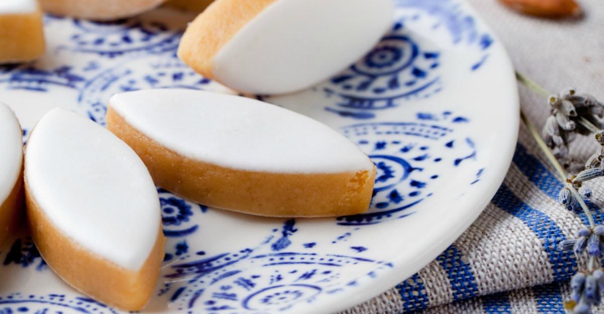 Fursecuri glazurate cu lichior de oua
