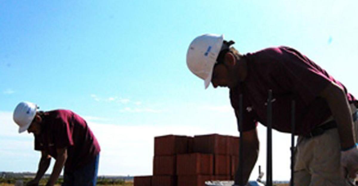 Ziua Mondiala a Locuirii: BIG BUILD construieste 14 locuinte in 5 zile, pentru familiile defavorizate