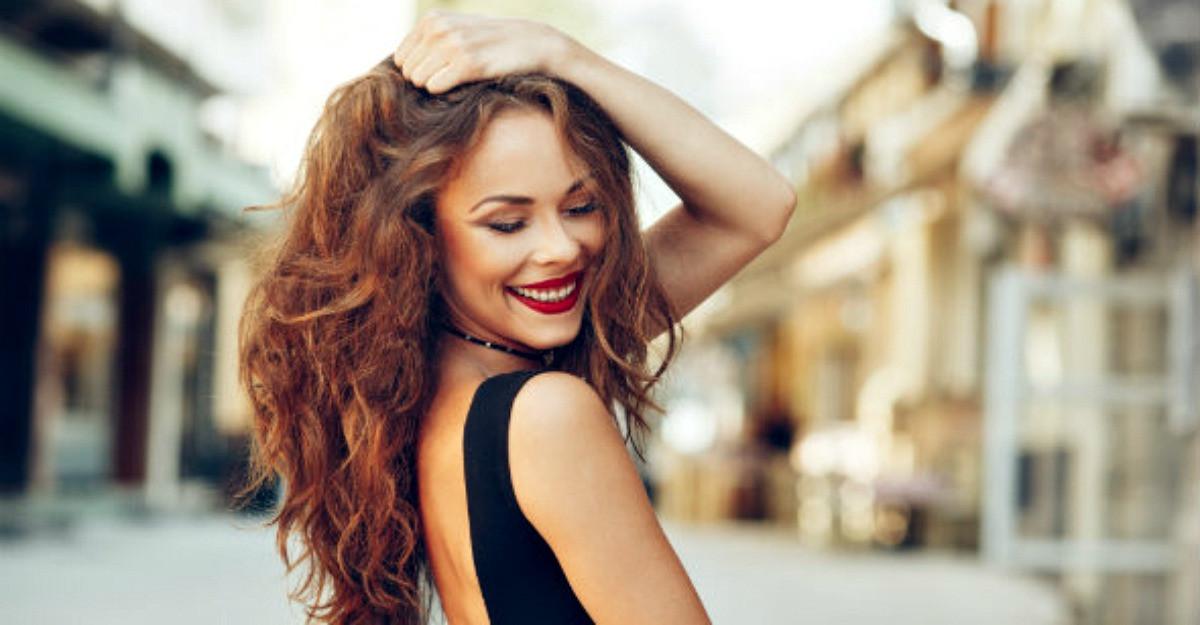 4 lucruri care fac o femeie sa se simta mai atragatoare si mai increzatoare