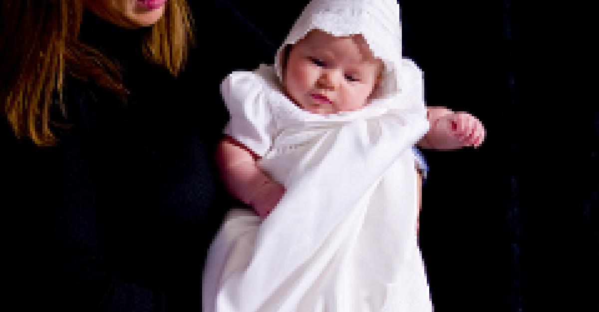 Foto: Prima aparitie in public a Giuliei, fetita lui Sarkozy
