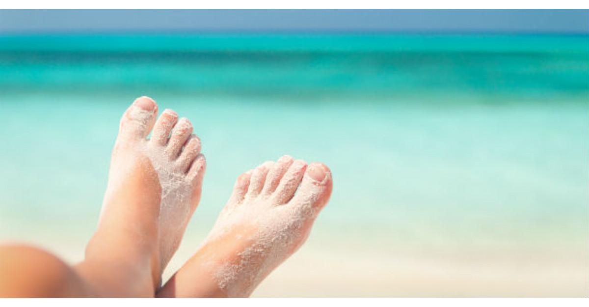Ia cu tine acest produs la plaja si vei scapa garantat de nisipul lipit de picioare si corp
