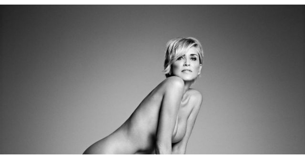 Foto: Sharon Stone a pozat complet GOALA la 57 de ani