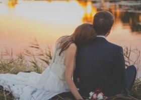 Cuplurile cu adevarat fericite nu trebuie sa dovedeasca nimic pe Facebook