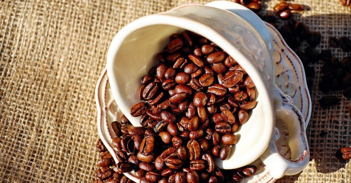 5 tratamente naturale cu cafea pentru ten perfect și păr strălucitor