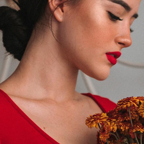 Ce blush alegi după tenul și morfologia feței tale: sfaturi de la make-up artist Silviana Buturugă