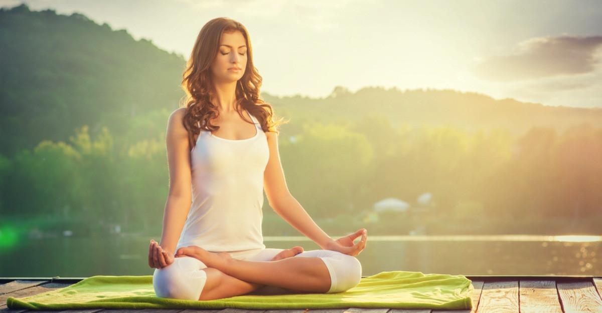 Vrei sa te apuci de yoga? Fa aceste 3 lucruri
