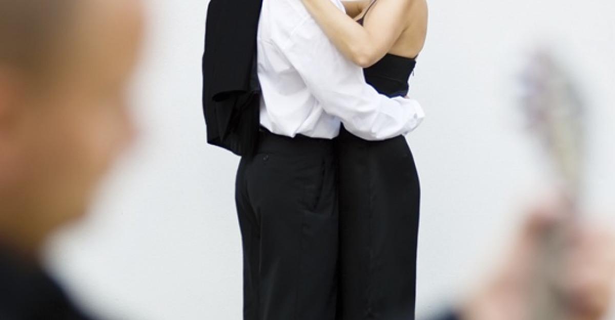 12 moduri simple care te ajuta sa cresti usor pasiunea in cuplu