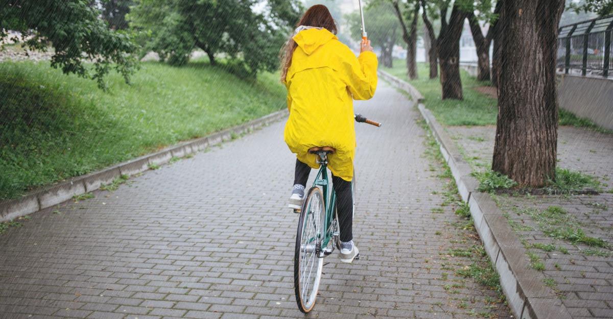 Pelerina de ploaie: echipeaza-te pentru vremea de toamna!