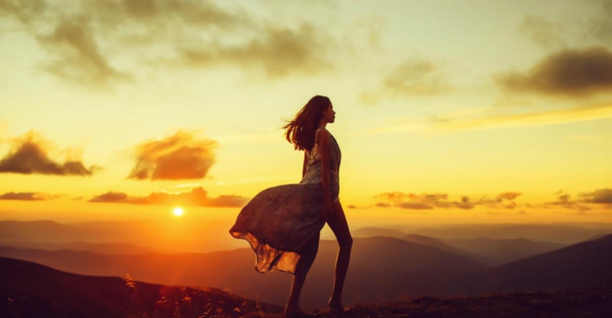 Foto: Elena Gheorghe, schimbare de look. Vezi cum arata acum cantareata!