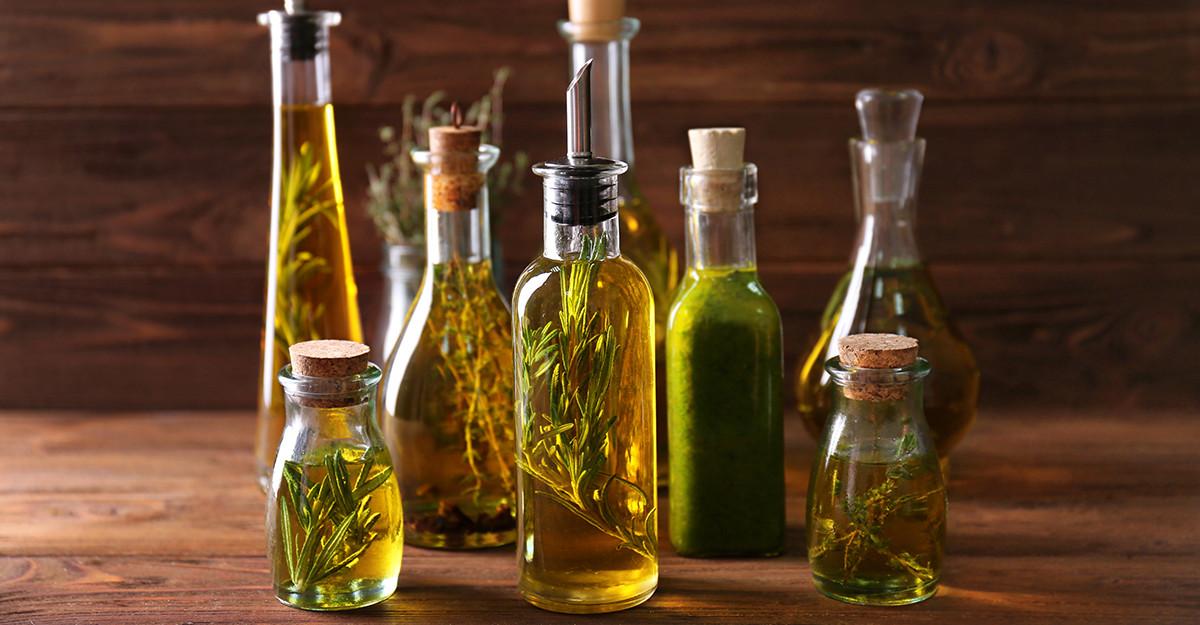7 Uleiuri pe care să le folosești în bucătărie: alternative la cele de floarea-soarelui și măsline