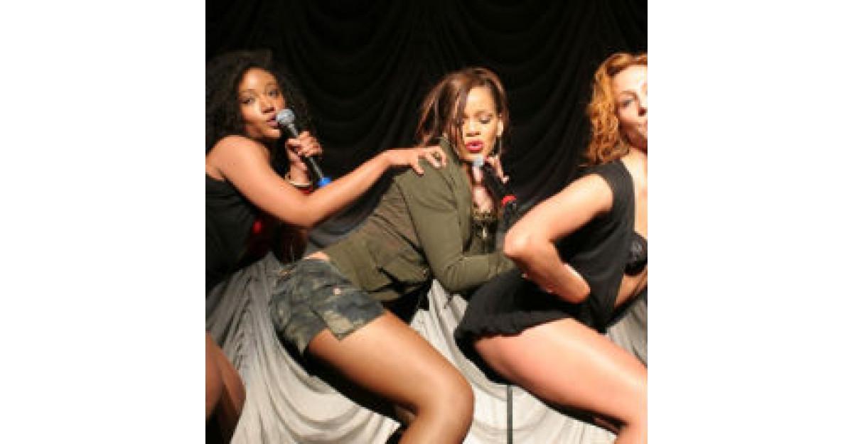 Dezastru: Top 5 cele mai prost imbracate celebritati ale anului 2010