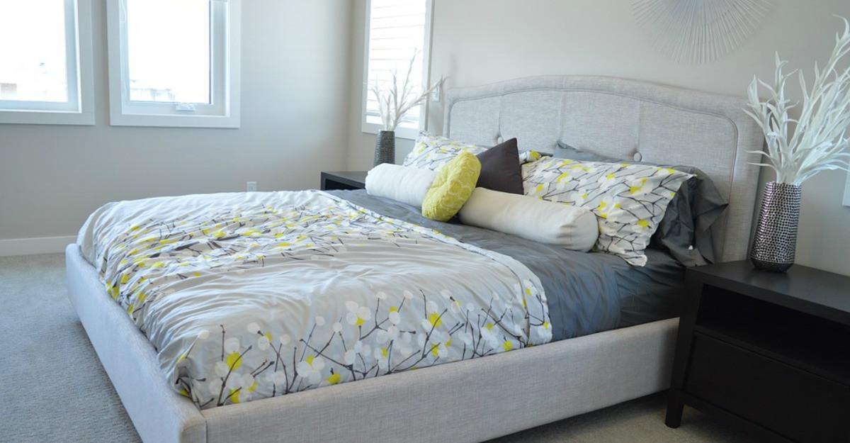Cum îți pregătești dormitorul de primăvară