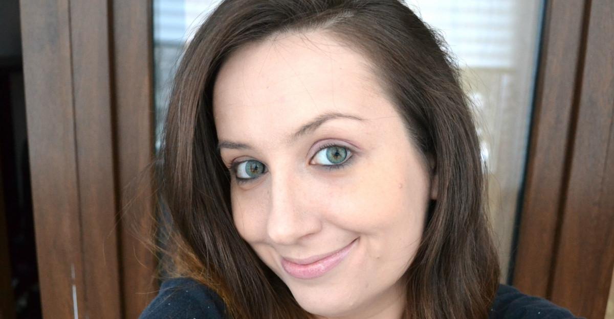 Încearcă un look nou à la Hollywood: poartă lentile de contact colorate cât mai natural!