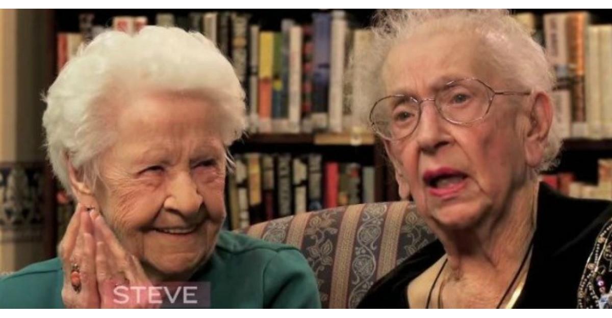 Aceste bunicute de 100 de ani au fost intrebate ce este selfie-ul. Stai sa auzi raspunsul lor!