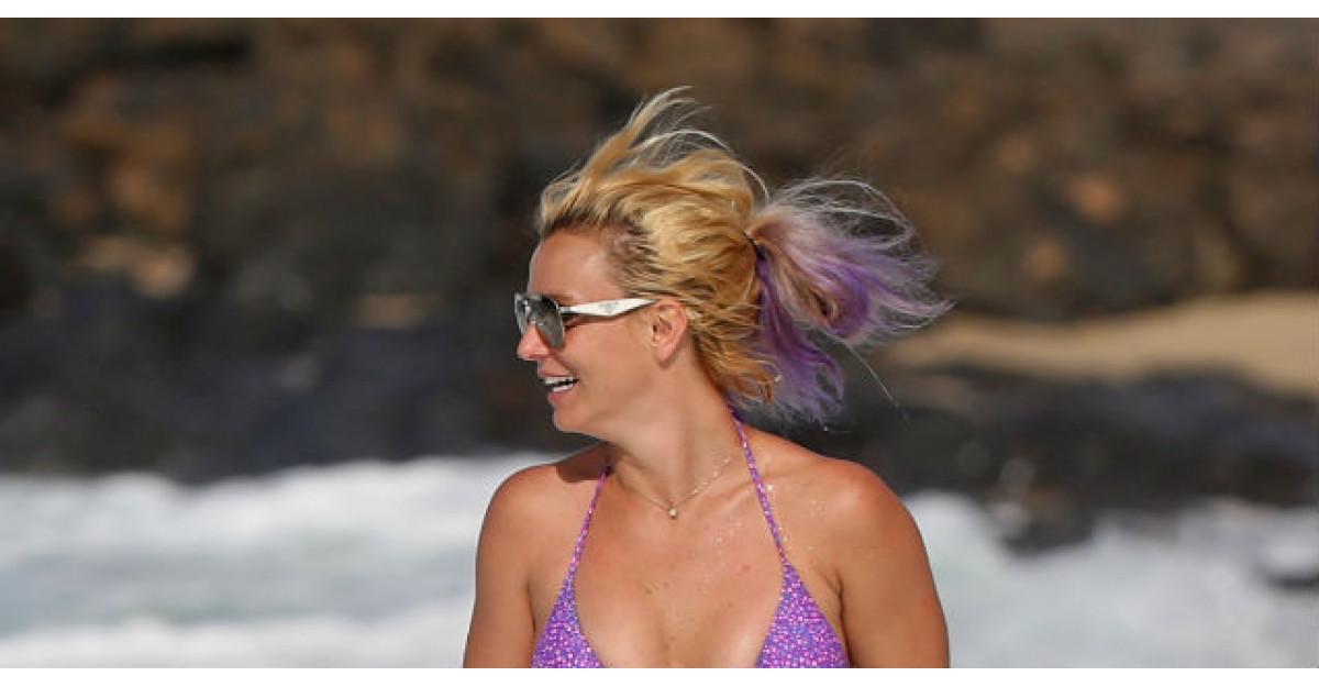 Foto: Cum arata Britney Spears in costum de baie, la 33 de ani?
