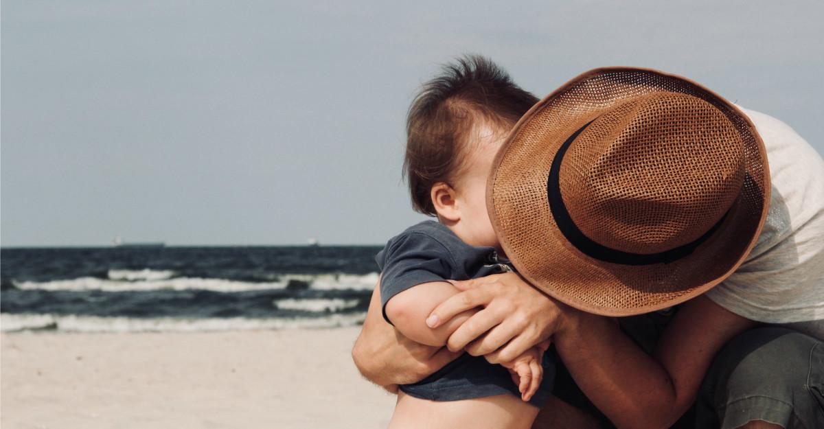 Nu lăsați vara să treacă fără a ajunge la mare. Recomandări pentru o vacanță reușită și liniștită alături de copil