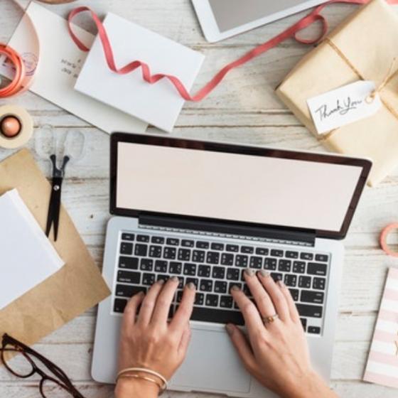 Top 5 destinații online pentru cadouri potrivite oricui