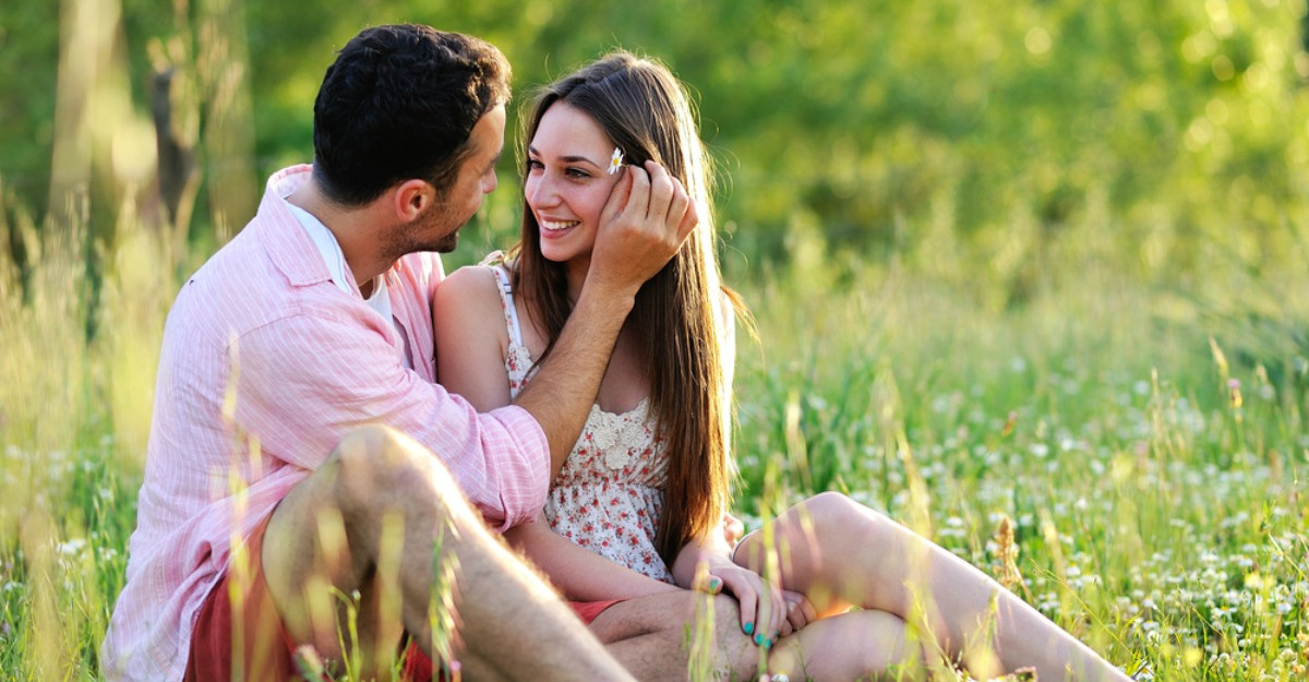 Zodii compatibile in cuplu: descopera daca astrele va tin impreuna!