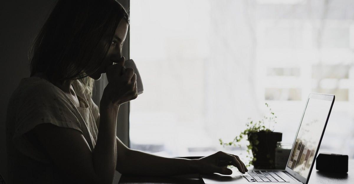 Cum anulezi efectele statului la birou timp de ore intregi: Cata miscare este, de fapt, suficienta?