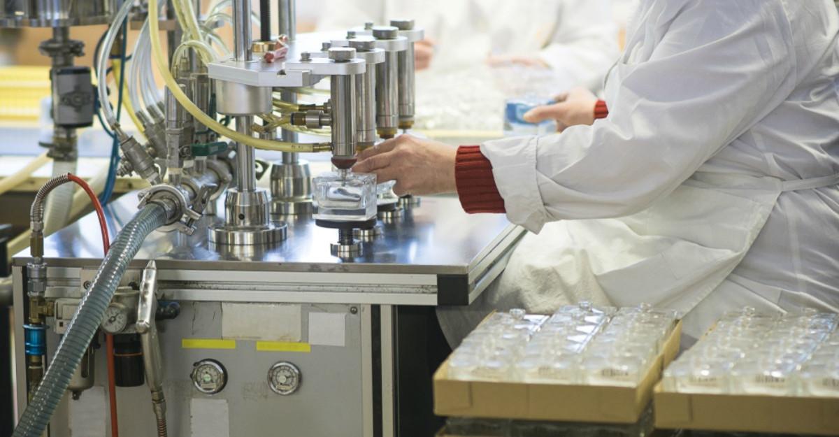 Louis Vuitton și Dior vor face geluri dezinfectante pentru mâini în loc de parfumuri