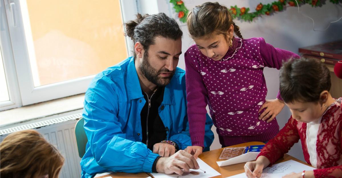 Andreea Marin si Smiley aduc in prim-plan violenta impotriva copiilor in societate