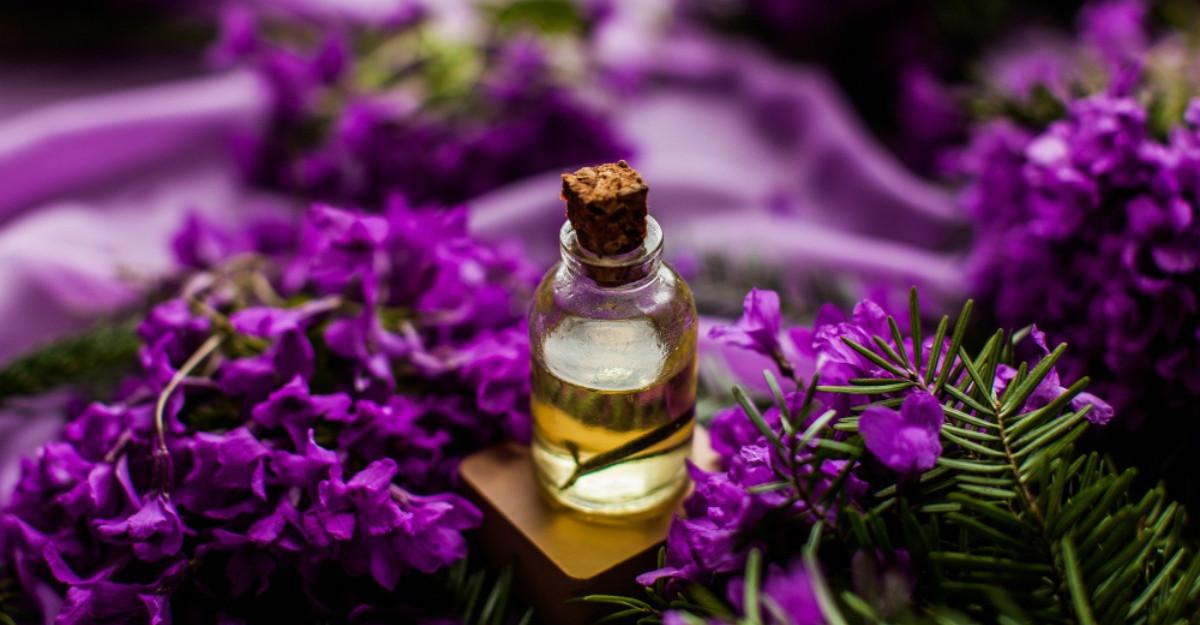 Top 3 cele mai bune uleiuri esențiale pentru a vindeca anxietatea