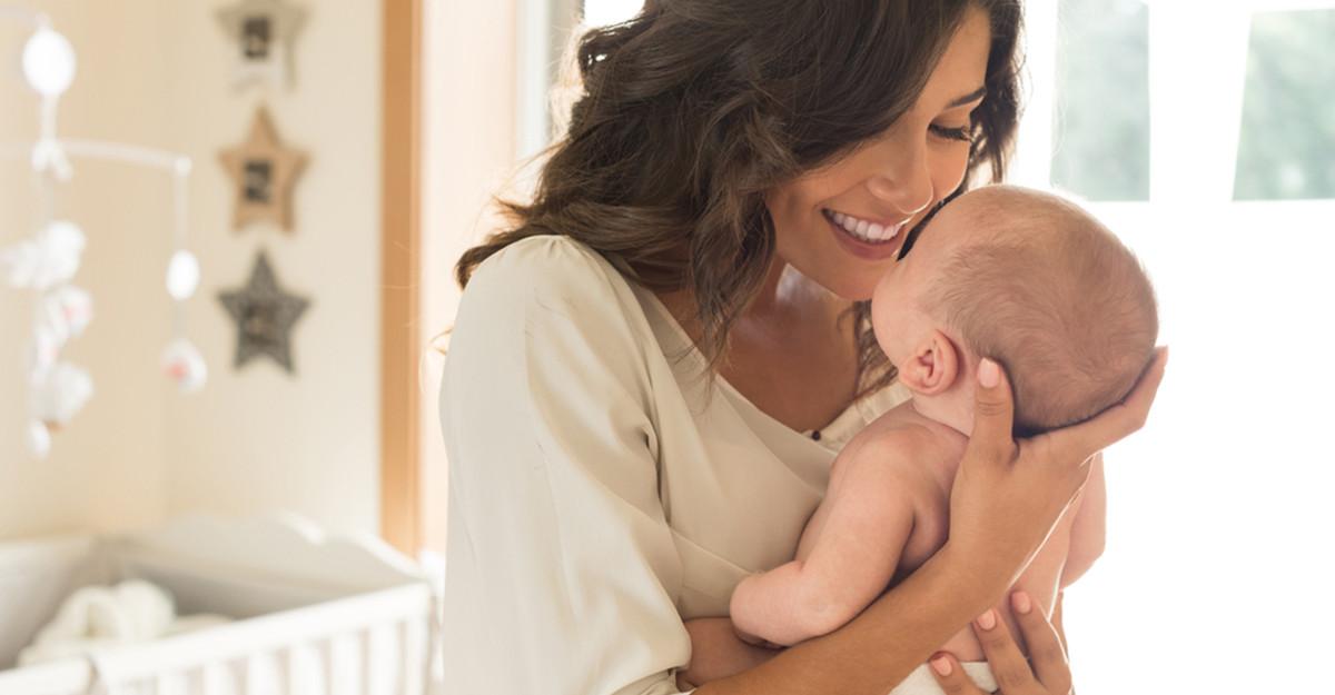 Cum ne purtăm cu bebe în primele săptămâni după naștere? 5 Sfaturi pentru proaspeții părinți