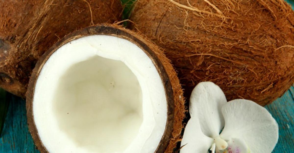 Nuca de cocos: 5 beneficii pentru frumusetea ta