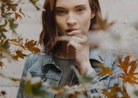 Cum să ai grijă de pielea ternă la început de toamnă: trucuri eficiente