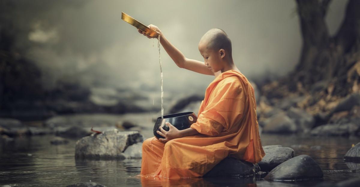 7 Pași mărunți de la călugării budiști pentru a trăi mai bine cu mai puțin