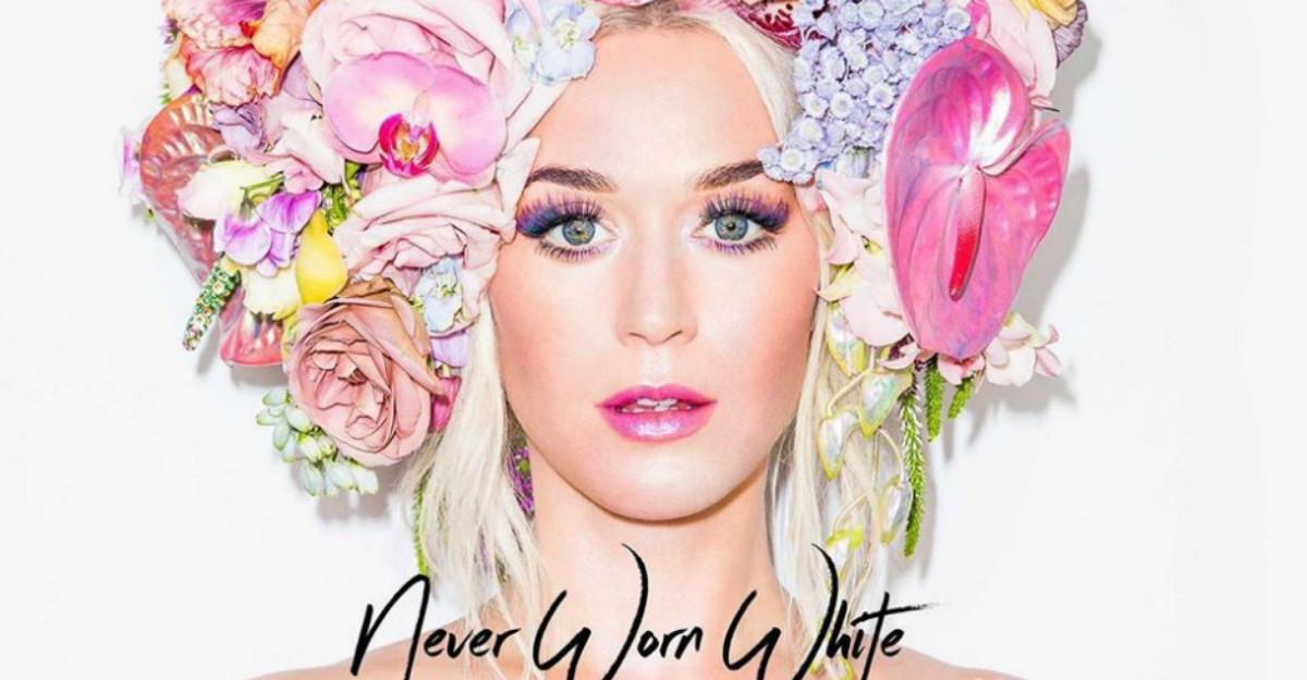 Katy Perry a anuntat ca este insarcinata cu Orlando Bloom in noul videoclip