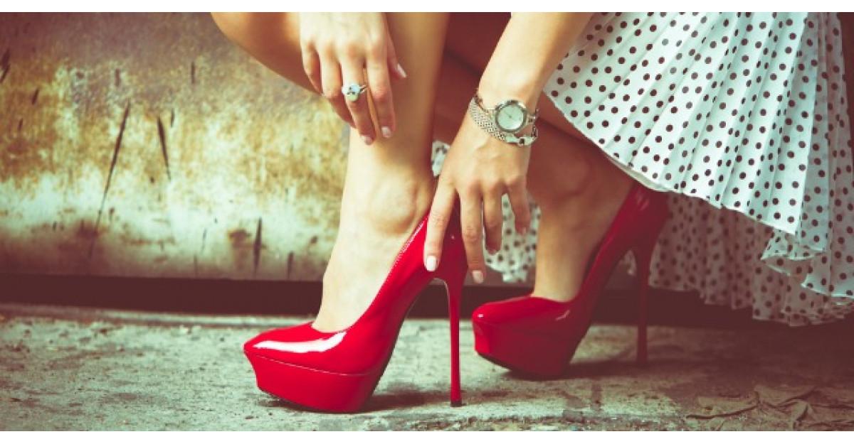 Ce poti pati daca porti pantofi cu toc. Te vei gandi de doua ori inainte sa-i incalti