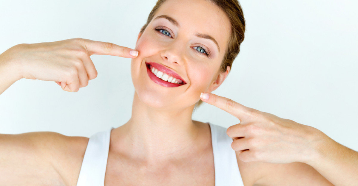 Cum și cu ce îți poți albi dinții acasă?
