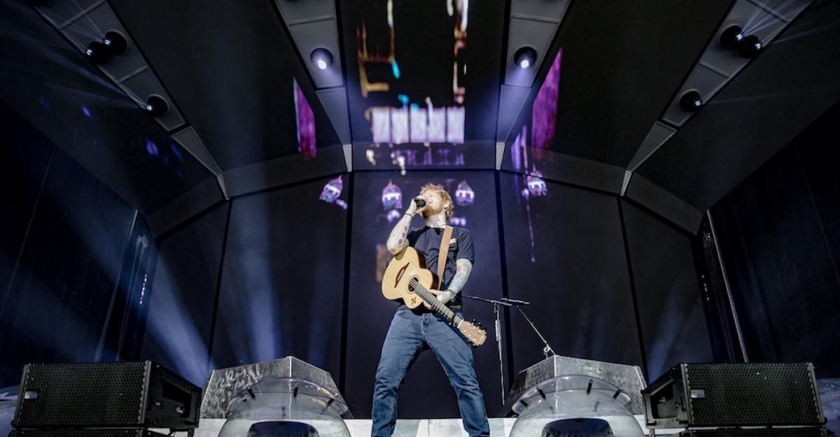 50.000 de spectatori au cântat aseară alături de Ed Sheeran pe Arena Națională