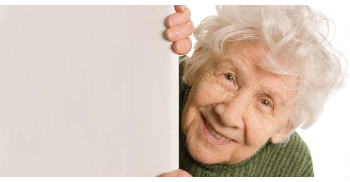 Aceasta batranica de 87 de ani s-a inscris la facultate. Ce au facut colegii ei?